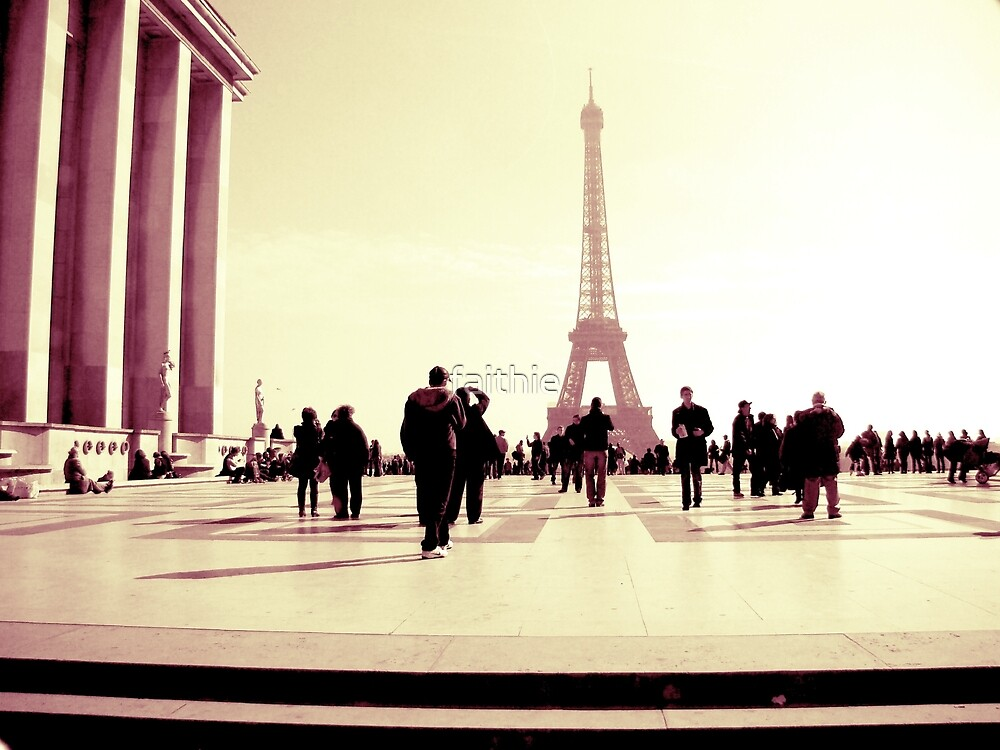 Paris is an everlasting love by faithie