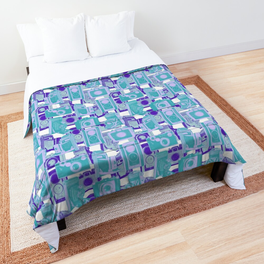 Vintage Camera Pattern in Turquoise and Blue Comforter