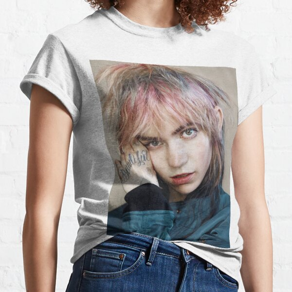 grimes - close-up Classic T-Shirt