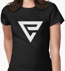 QUEN Women's Fitted T-Shirt