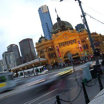 Flinders Street station in peak hour by xavier
