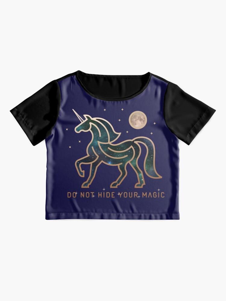 Vista alternativa de Blusa No ocultes tu magia - Unicornio galáctico