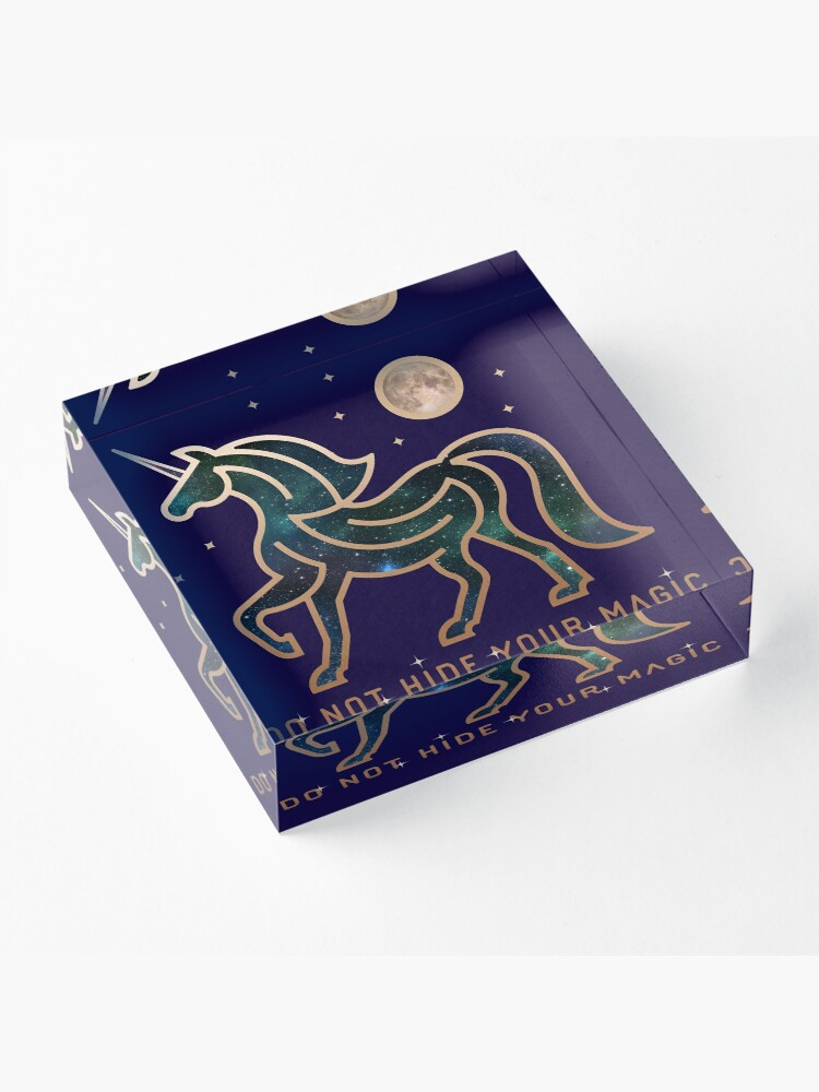 Vista alternativa de Bloque acrílico No ocultes tu magia - Unicornio galáctico