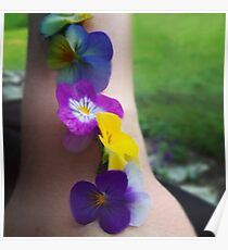 BEAUTIFUL PANSIES ALINED ON ARM... Poster