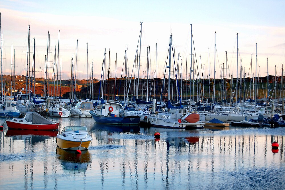 Kinsale Harbor by rhiannakelly