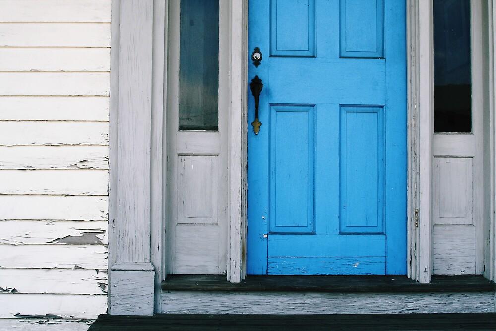 The blue door by Jeff  Wilson