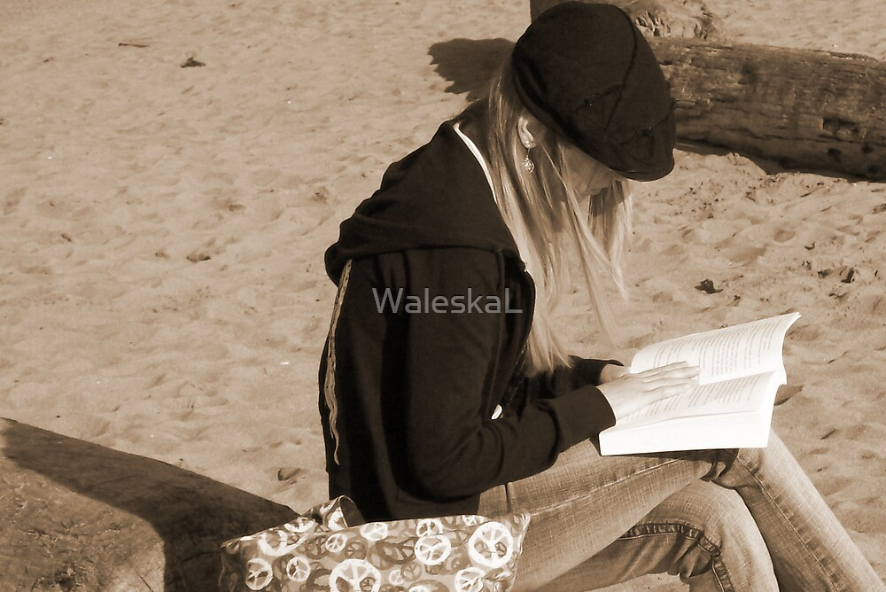 Yesterday I saw a girl... by WaleskaL