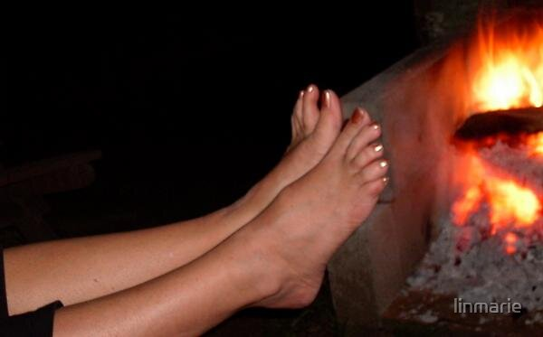 Campfire Feet by linmarie