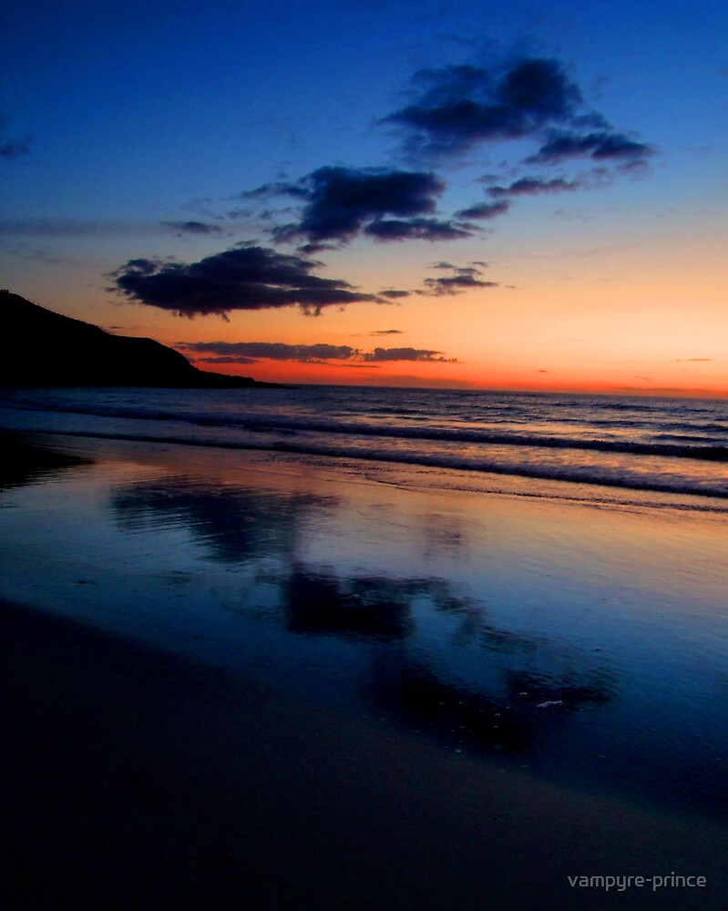 Three Clouds over Whistling Sands by vampyre-prince