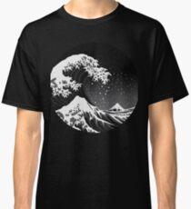 The Dark Wave - Circular Classic T-Shirt