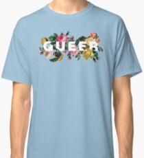 Queer (Antike Rosen) Classic T-Shirt