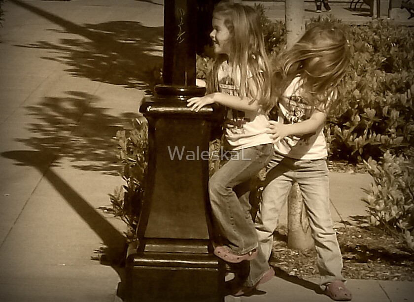 Quality Sister's Time by WaleskaL
