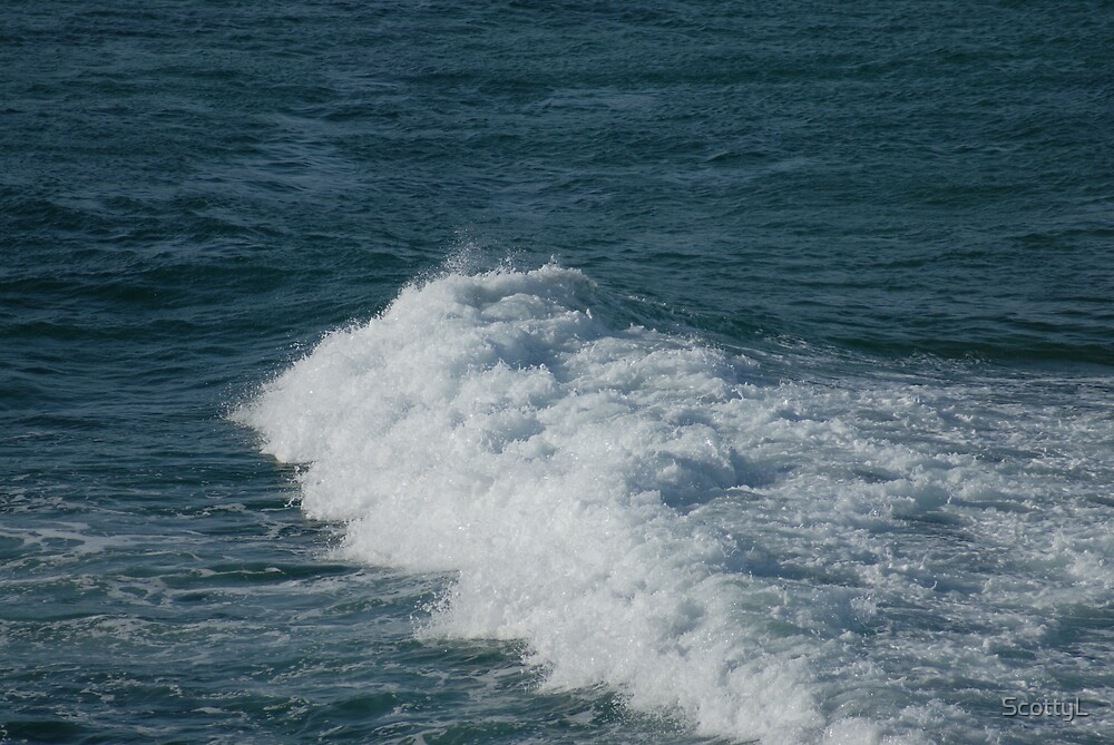 Small Wave by ScottyL