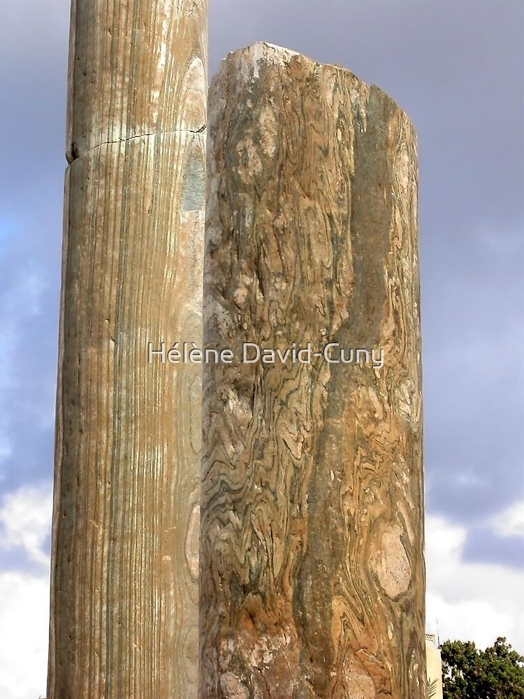 Wrinkled stone by Hélène David-Cuny
