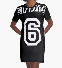 Ungläubiger Teamspieler 6 T-Shirt Kleid