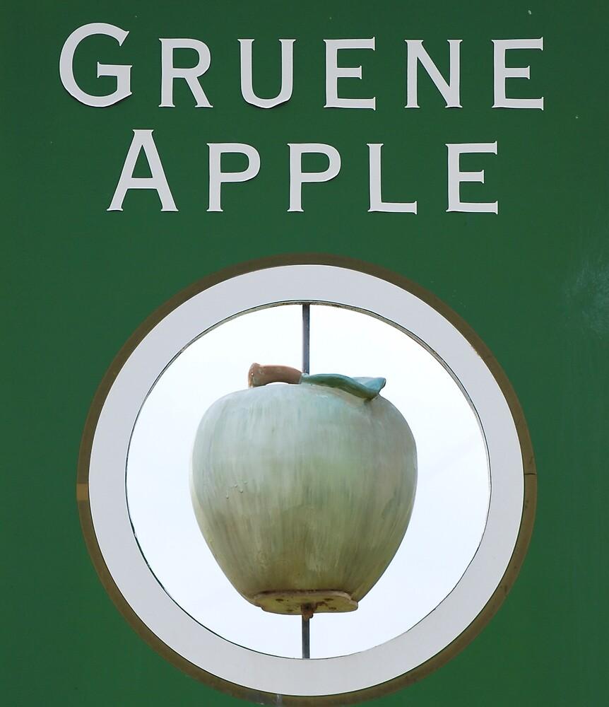 Green Apple by BonnieColeman