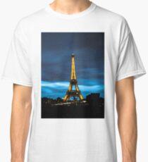 Eiffel tower by night Classic T-Shirt