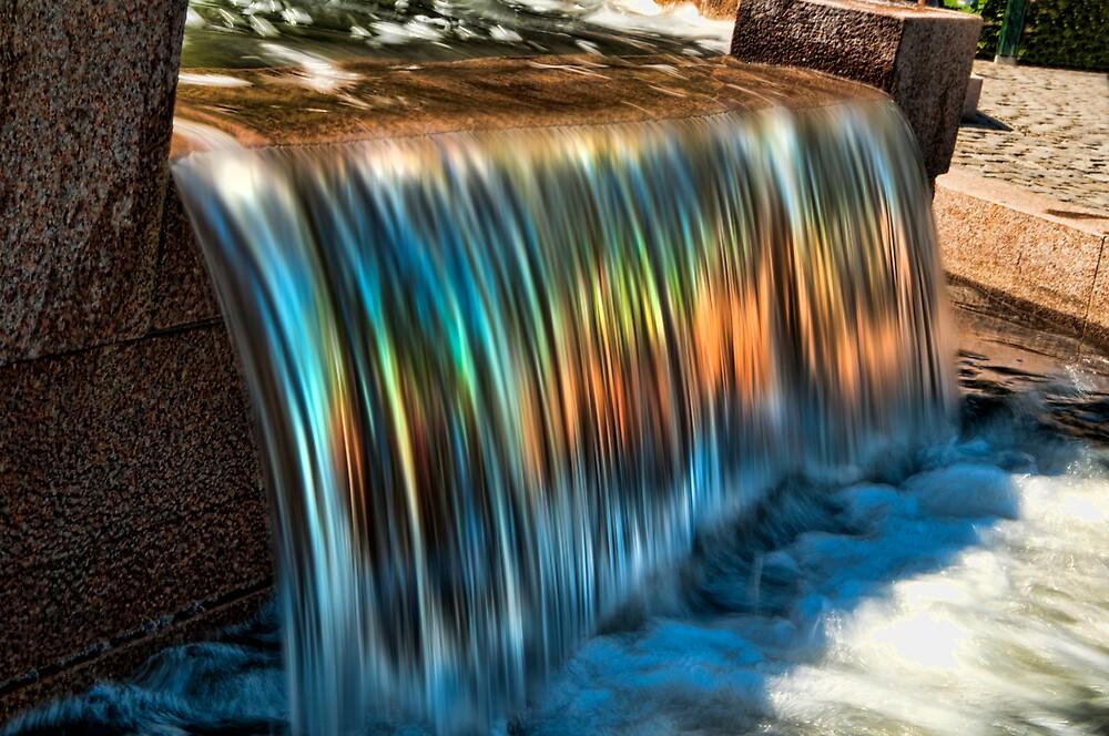 Rainbow Waterfall by geirkristiansen