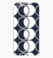 Plain Motif Linking Circles Design iPhone Case