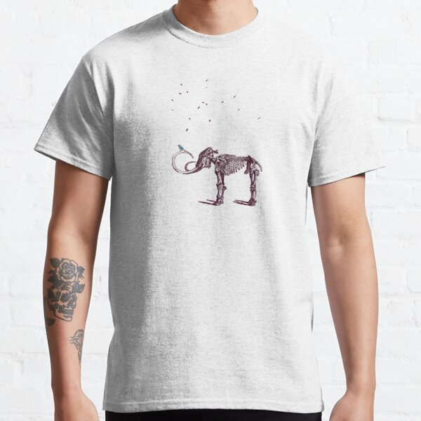 Mammoth and the birds Classic T-Shirt
