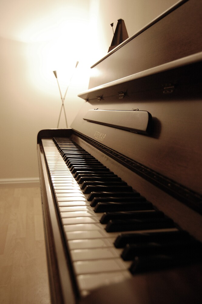 piano by Tom Smart
