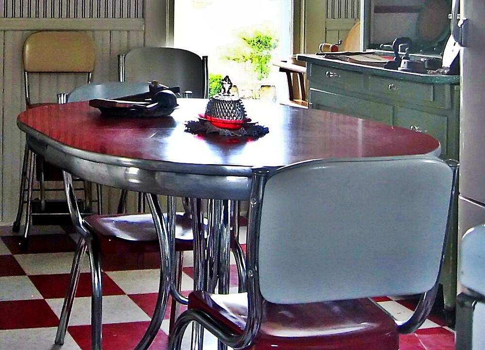 Retro Kitchen by Tracy DeVore