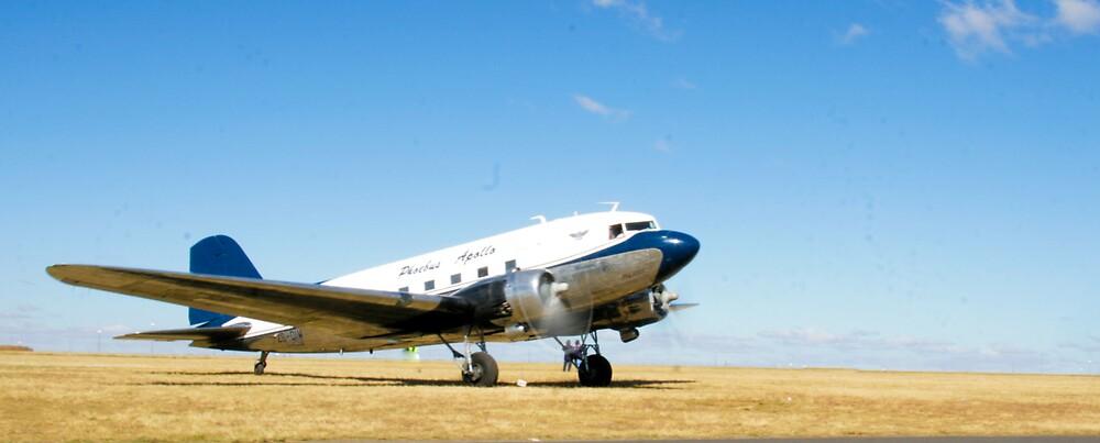 DC-3  by Paul Lindenberg