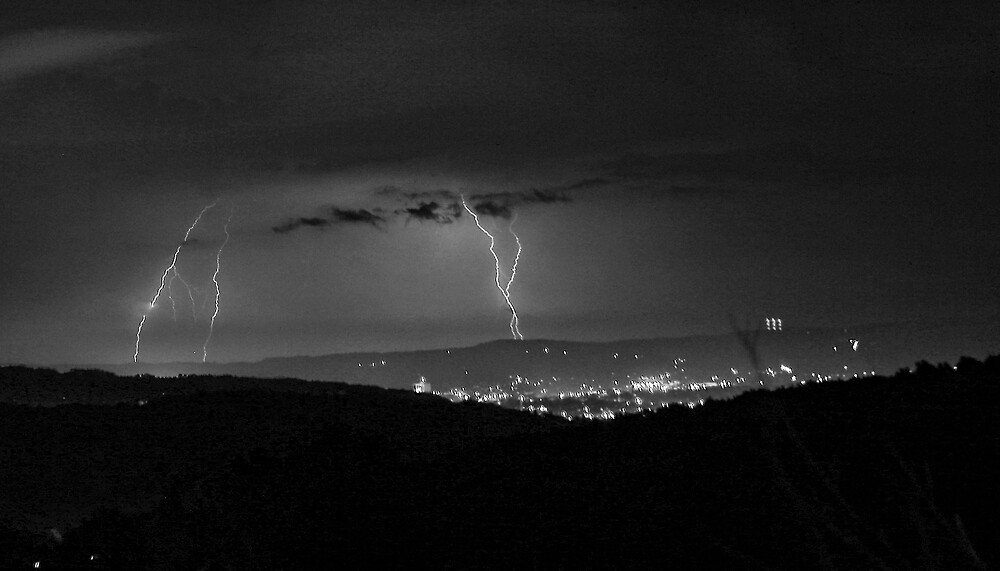 Lightning 1 by GPMPhotography