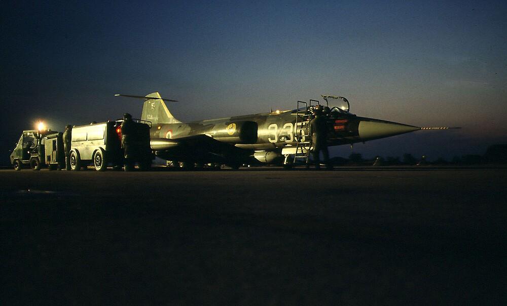 F194 STARFIGHTER BY NIGHT. by giuseppe maffioli
