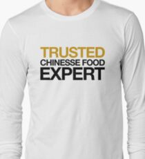 Vertrauenswürdiger Chinese Food Expert! Essen Hungrig Hungry Langarmshirt