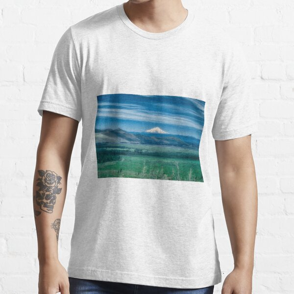 Hat Creek Rim - PCT view of Mt. Shasta Essential T-Shirt