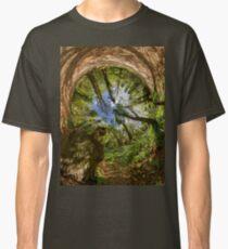 Squirrel Sculpture in Prehen Woods, Derry - Sky In Classic T-Shirt