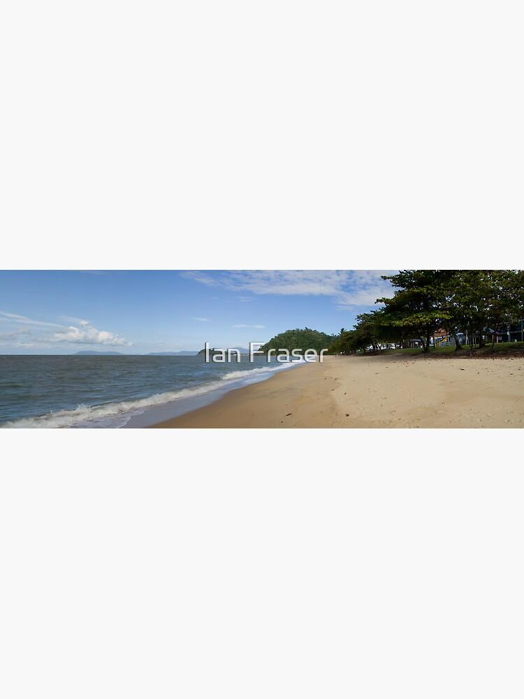 Trinity Beach by Mowog