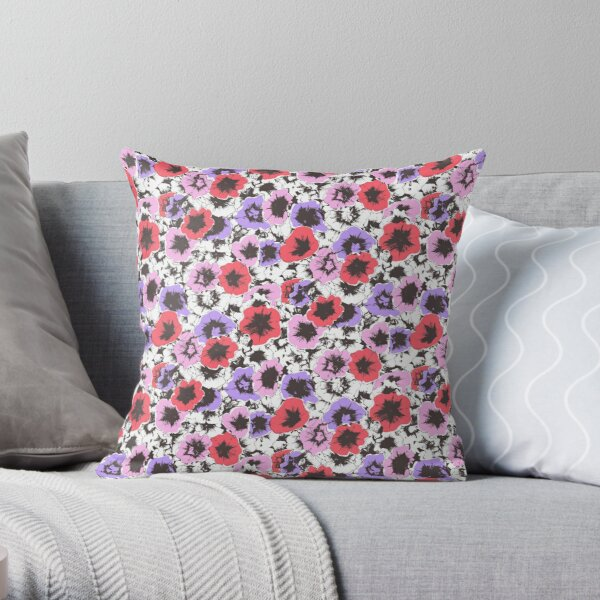 trumpet flowers pinks Throw Pillow