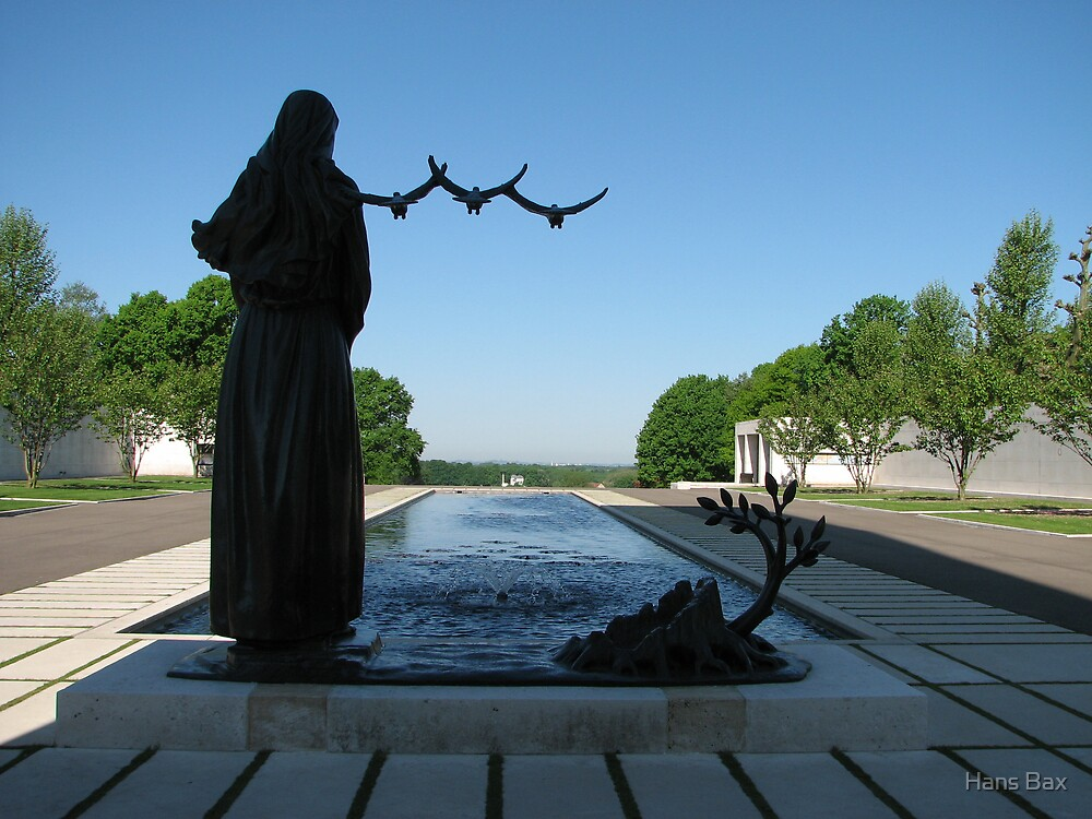 Memorial WW II by Hans Bax