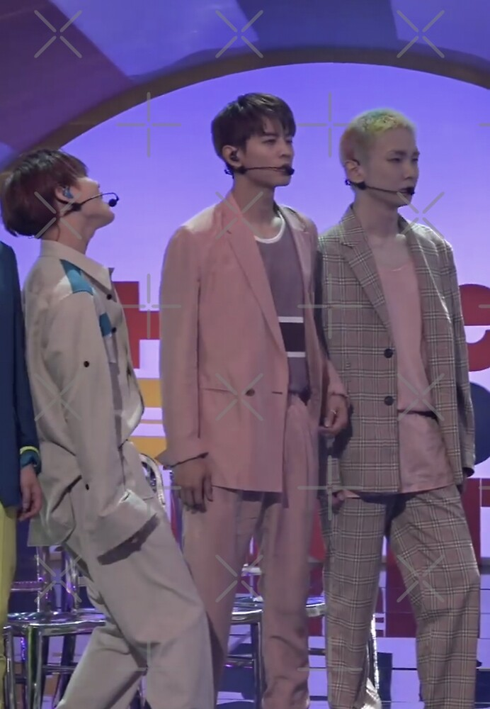 SHINee by pookipsy
