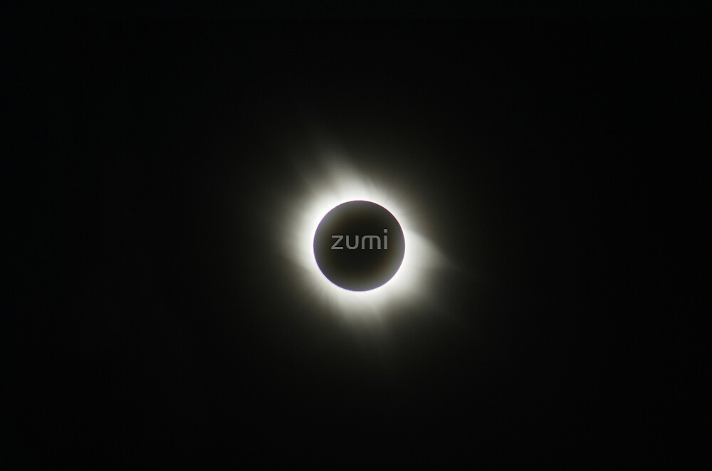 Total Solar Eclipse by zumi