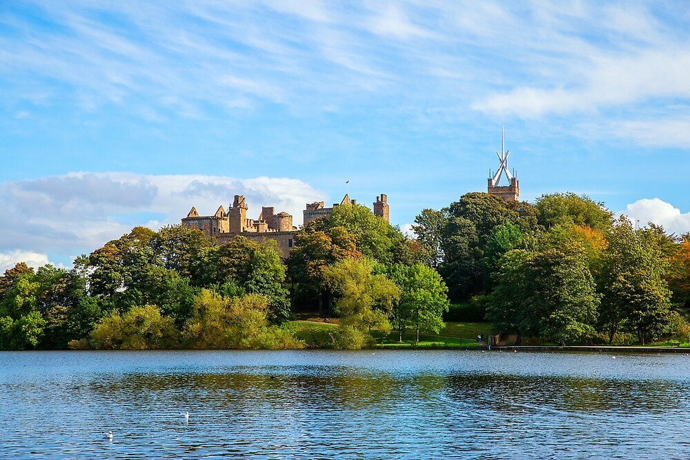 Linlithgow Palace & lake by FoxTalePhoto