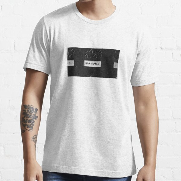 "Frances Ha ""UNDATEABLE"" Essential T-Shirt"