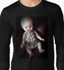 Creepy Doll, vintage doll, horror doll. Doll. Halloween. Gothic. Vintage.  Long Sleeve T-Shirt