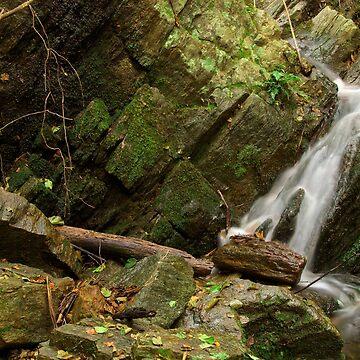 Provence waterfall by patmo