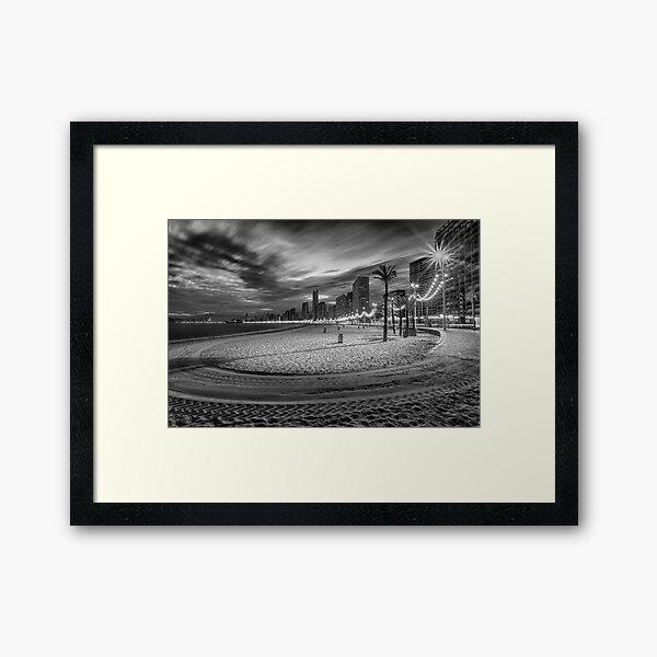 Playa de Benidorm Levante en la noche Lámina enmarcada