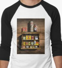 Old Fashioned Spice Rack and Spice Tins, spice Vintage Spice Tins, Nostalgic Spice Cans Art, Americana Kitchen Decor  Men's Baseball ¾ T-Shirt
