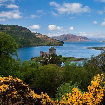 Eilean Donan Castle by ropedope