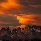 Cuernos del Paine y Monte Almirante Nieto by Terry Mooney