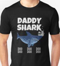 deb5ee22b Daddy Shark t shirt Slim Fit T-Shirt