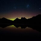 Aurora Australis (Southern Lights) over Cradle Mountain by Odille Esmonde-Morgan