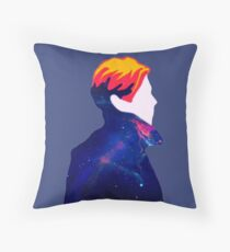 DAVID BOWIE - THE MAN WHO FELT TO EARTH Throw Pillow