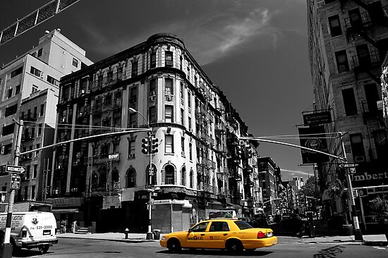 Yellow cab by Tom  Marriott
