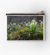 bunch of snowflake flowers on a mossy hump Studio Pouch
